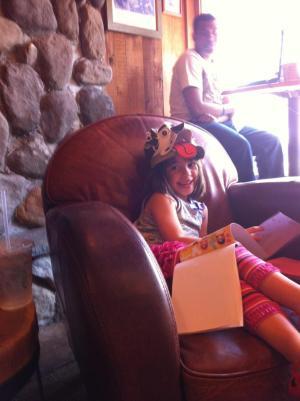 jessie-at-coffee-shop